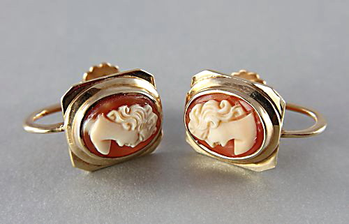 Antique 14K gold Cameo Earrings screwback estate jewelry