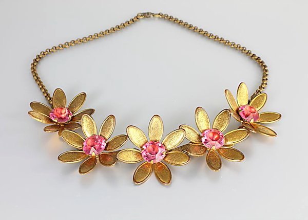Art Deco Flower Necklace pink rhinestone