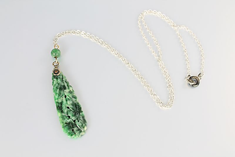 Art Deco Chinese carved Jade Necklace