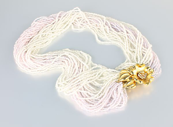 Pink White vintage Torsade Necklace Seed glass Bead Flower clasp