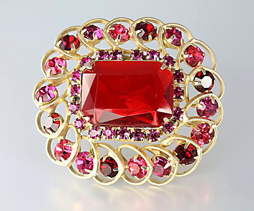 Juliana D&E Red glass Rhinestone Brooch