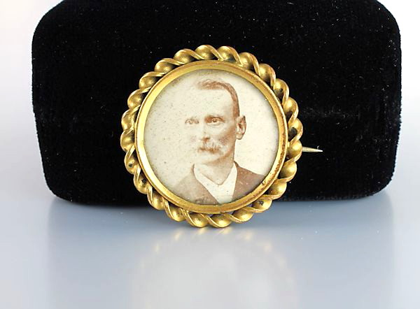 Antique Victorian Man Photo Brooch memorial mourning jewelry