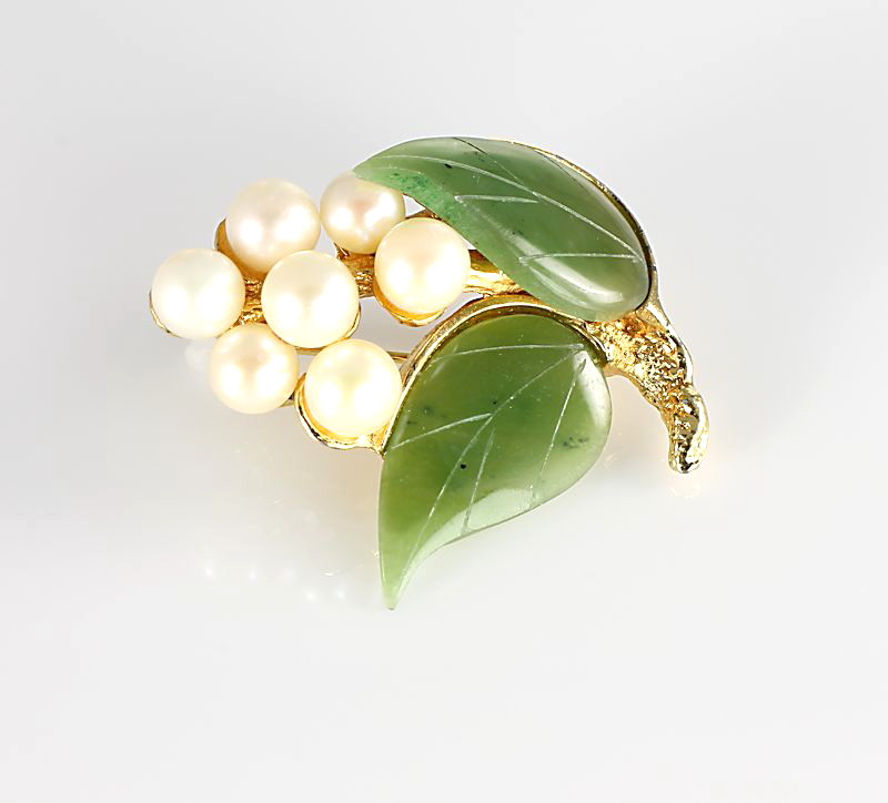 Swoboda Jade pearl Brooch leaf and berries