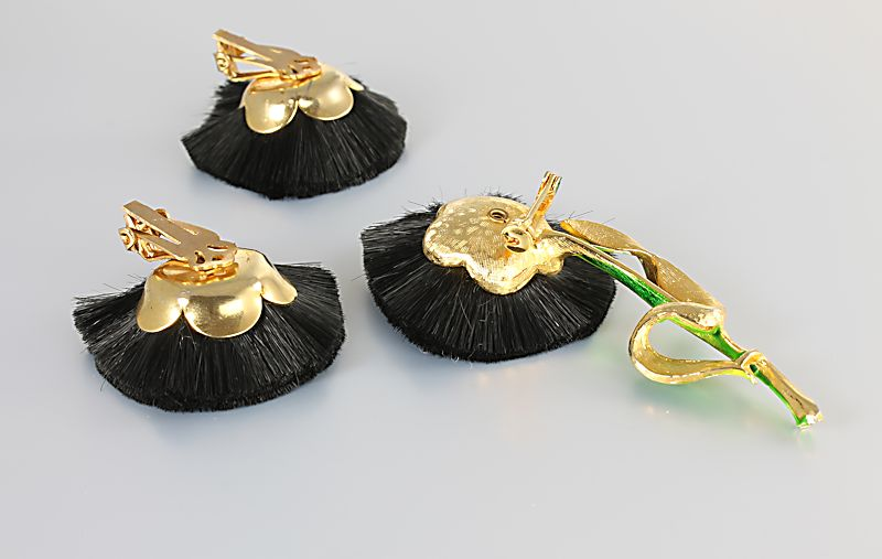 Hattie Carnegie Flower Brooch Earrings Black Silk brush