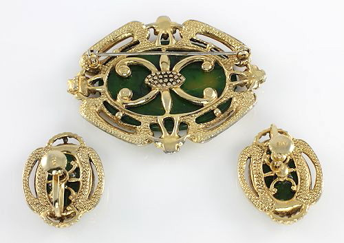 Creamed Spinach Bakelite Brooch Earrings signed Star