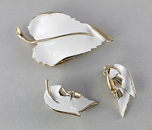 Vintage Leaf Brooch Earrings White Enamel
